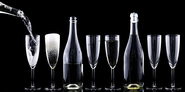 láhve a skleničky