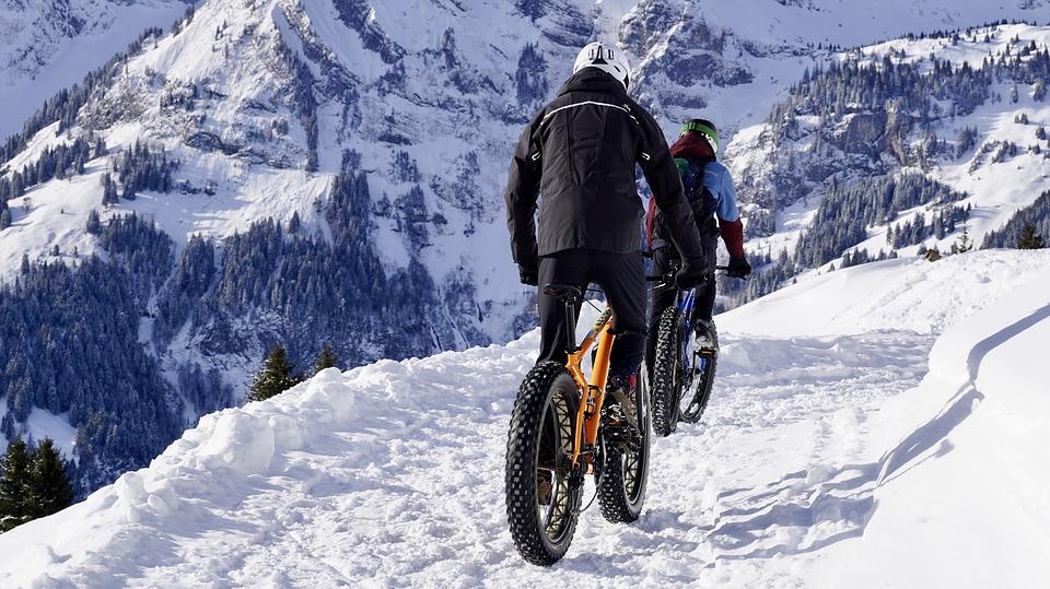 jízda v zimě v horách